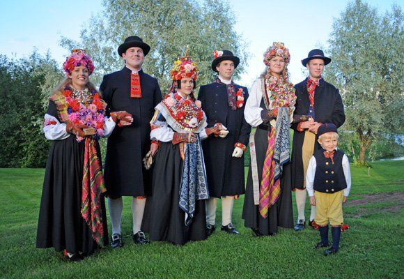 swedish wedding traditions1.jpg